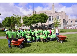 Exelon invited employees, friends and family to join them in hundreds National Volunteer Week projects this year.